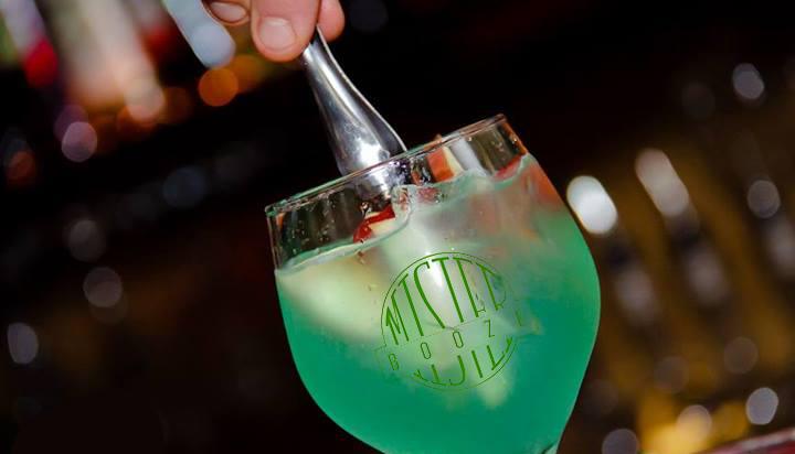 Προσφορά HappyDeals  - 7€ από 20€ για 2 Cocktails επιλογής σας, στο πασίγνωστο ''Mister Booze'' στον πεζόδρομο Χαλανδρίου - έκπτωση 65%!