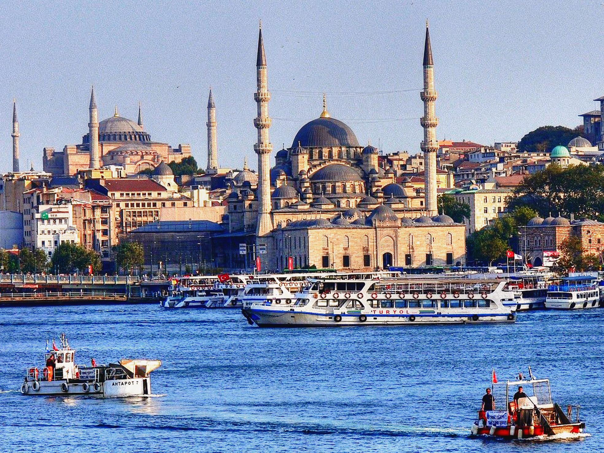 Προσφορά HappyDeals  - Κωνσταντινούπολη: 269€ για 6ήμερη All Inclusive Οδική εκδρομή, με διαμονή σε πολυτελή ξενοδοχεία, Πρωινό, Γεύματα, & Δωρεάν Ξενάγηση