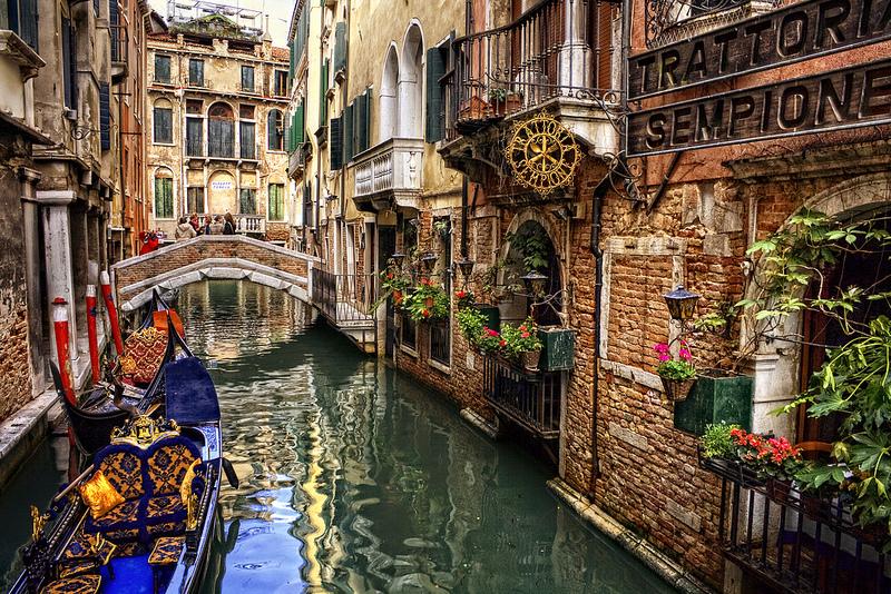 Προσφορά HappyDeals  - Κλασικός Γύρος Ιταλίας: 389€ για 7ήμερη Αll Inclusive Οδική εκδρομή, με διαμονή σε πολυτελή ξενοδοχεία, Πρωινό, Γεύματα, Ακτοπλοϊκά & Δωρεάν Ξενάγ...
