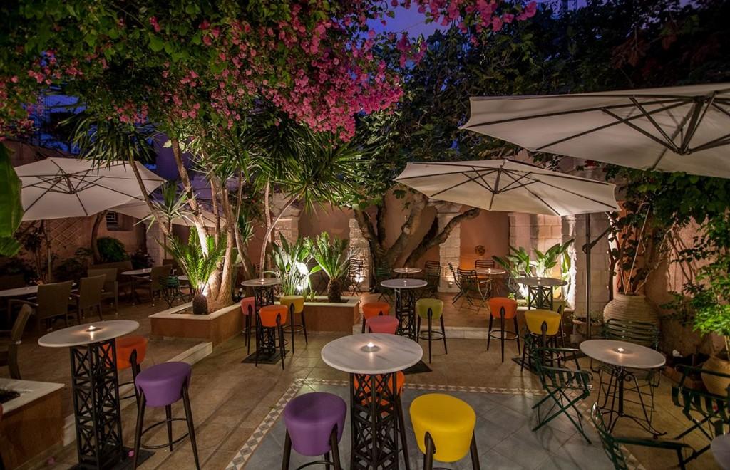 Προσφορά HappyDeals  - 7,50€ από 16€ για 2 Cocktails επιλογής σας, στο νέο cocktail bar ''El Presidente'' στο Αιγάλεω - έκπτωση 53%!