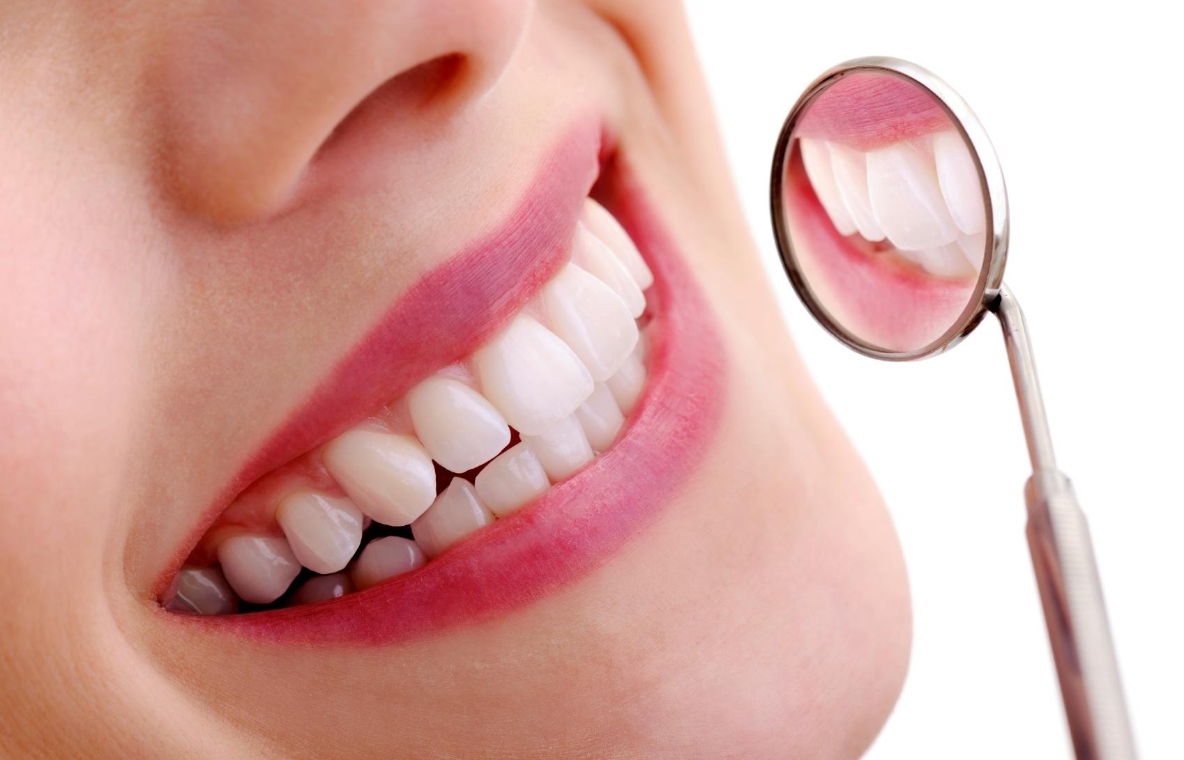 15€ από 65€ για Καθαρισμό Δοντιών με Υπέρηχους τελευταίας γενιάς & Πλήρη Στοματικό Έλεγχο, σε 15 κορυφαία Οδοντιατρικά Κέντρα σε όλη την Αττική, μια προσφορά της Happydeals Health