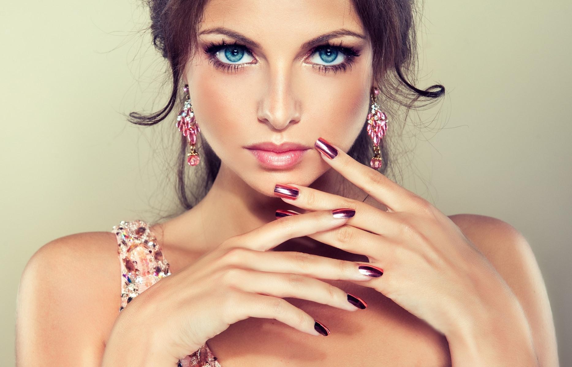 9€ από 29€ για Ημιμόνιμο Full Spa Manicure & Σχηματισμό Φρυδιών με κλωστή, στο ολοκαίνουργιο ''Le Petit Salon'' στην Αργυρούπολη