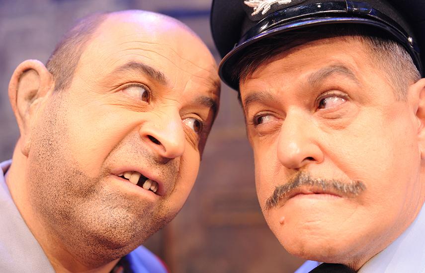 14€ από 20€ για είσοδο 1 Ατόμου, στη νέα υπερπαραγωγή του Μάρκου Σεφερλή, ΝΤΟΥ ΑΠΟ ΠΑΝΤΟΥ, στο θέατρο Περοκέ. Ένας Μάρκος όπως δεν τον έχετε ξαναδεί, σε μια κωμωδία με 13 ηθοποιούς που υποδύονται 52 ρόλους, σ΄ένα πολυδιάστατο & πολυεπίπεδο σκηνικό, στο οποίο εκτυλλίσονται εντυπωσιακές και επικίνδυνες σκηνές που κόβουν την ανάσα!