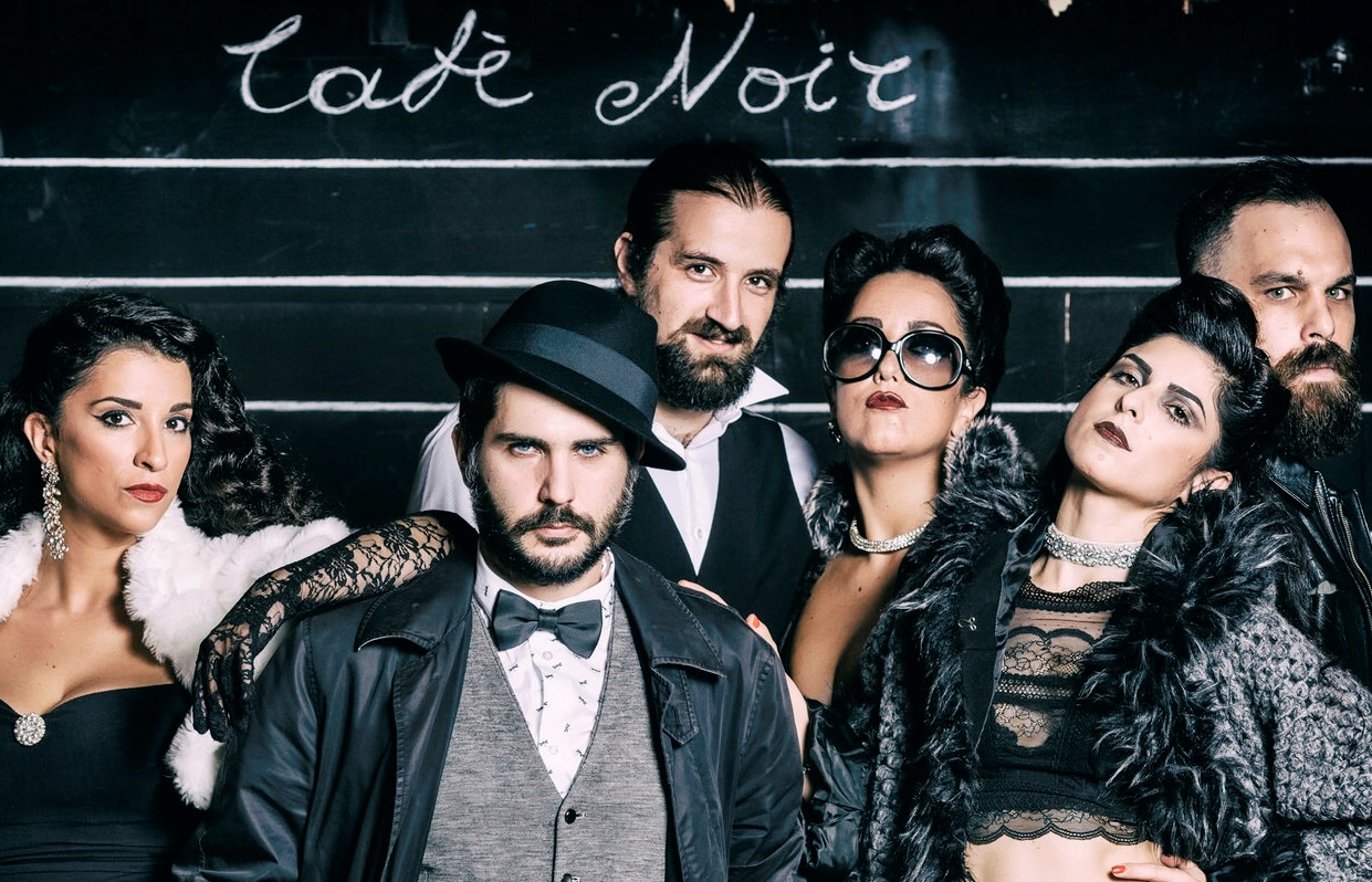 8€ από 15€ για είσοδο στη βραβευμένη πρωτότυπη διαδραστική κωμωδία ''Έγκλημα στο Cafe – Noir'' στο θέατρο Άλφα Ιδέα
