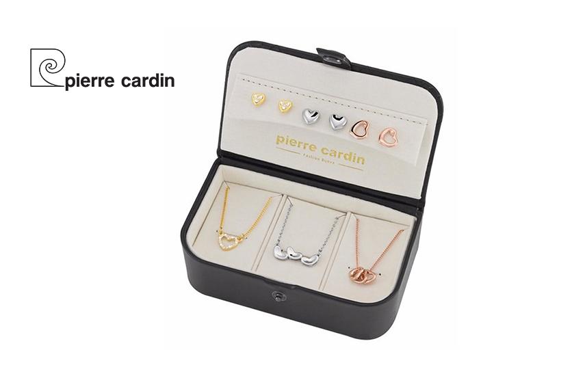 27,9€ από 59,8€ για Σετ με συλλογή Κοσμημάτων ''Pierre Cardin'', από Κράμα Χρυσού, με 4 Κολιέ και 4 Ζευγάρια Σκουλαρίκια, σε Πολυτελή συσκευασία