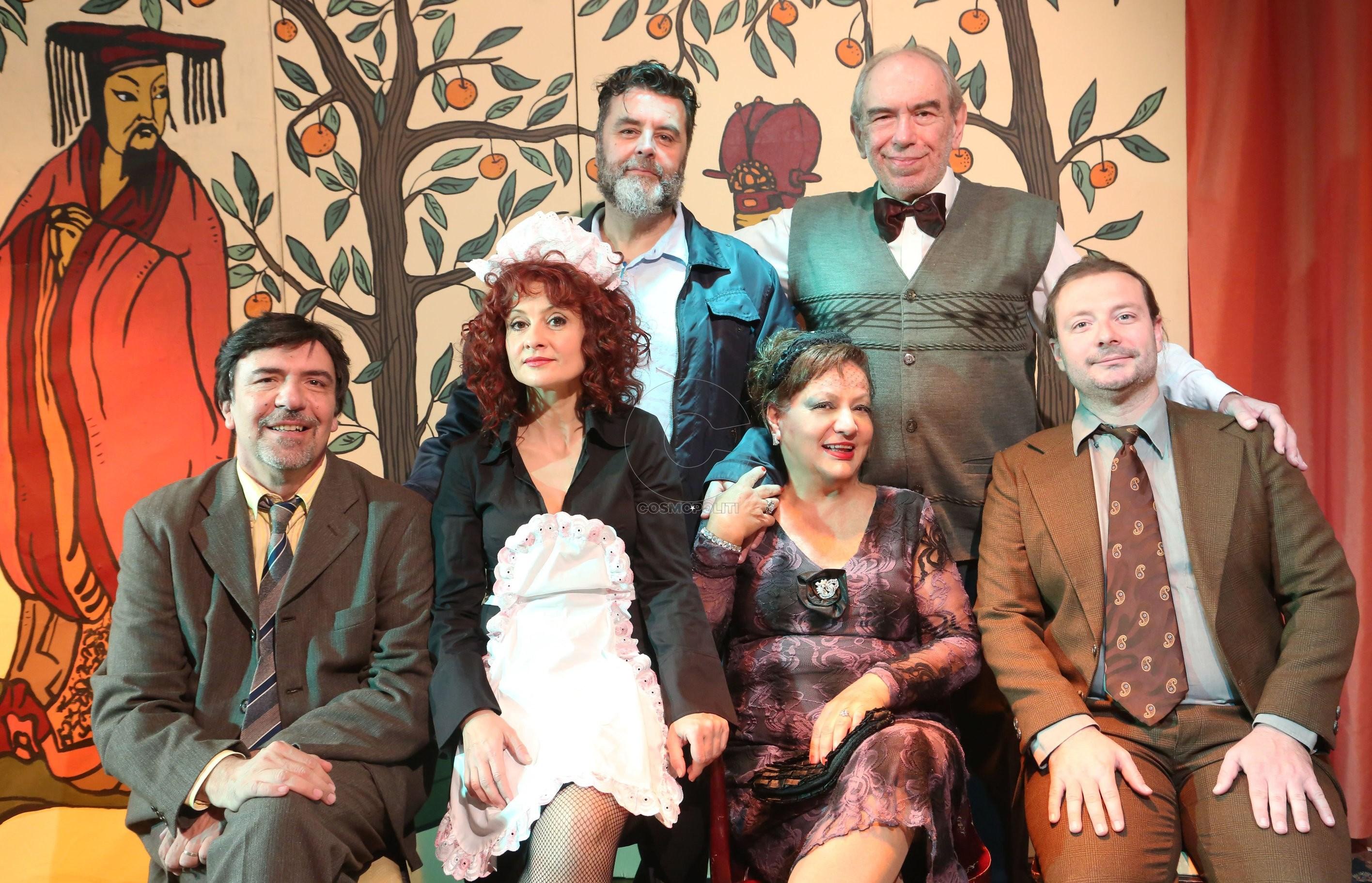 8€ από 15€ για είσοδο στη σπαρταριστή ανατρεπτική κωμωδία χαρακτήρων του Ρομπέρ Τομά ''Το Δωμάτιο με τους Μανδαρίνους'', στο θέατρο ''Πρόβα''