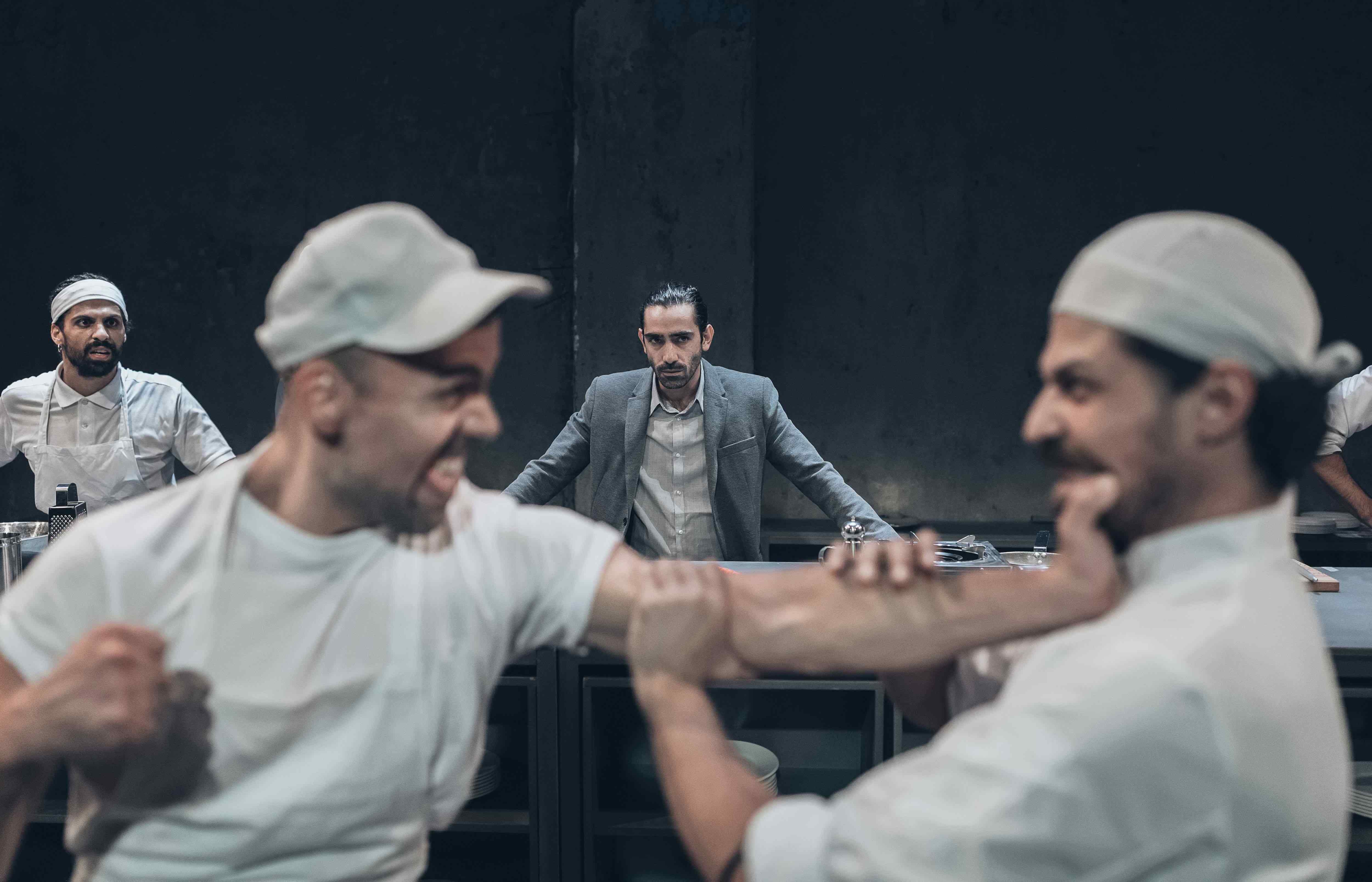 Από 11€ για είσοδο 1 ατόμου στην ''Κουζίνα'', το διάσημο έργο του διακεκριμένου συγγραφέα Arnold Wesker, σε σκηνοθεσία Γιώργου Νανούρη, στο θέατρο Αποθήκη