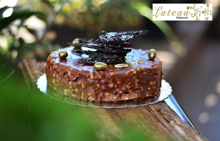 9,9€ από 22€ για ολόφρεσκη Oικογενειακή Τούρτα 1,3kg, επιλογή από 15 γεύσεις (Σοκολατίνα, Αμυγδάλου, Σοκολάτα, Ferrero, Μπισκότο Oreo Cookies, Black Forest, Kαραμέλα, Μους με φρούτα, Nutella, Σοκολάτα-Φράουλα, Κάστανο, Μπανόφι, Κορμός-Μωσαικό, Προφιτερόλ, Σοκολατόπιτα), στο ''Lateau Patisserie'' στην Πανόρμου, δίπλα στο μετρό εικόνα