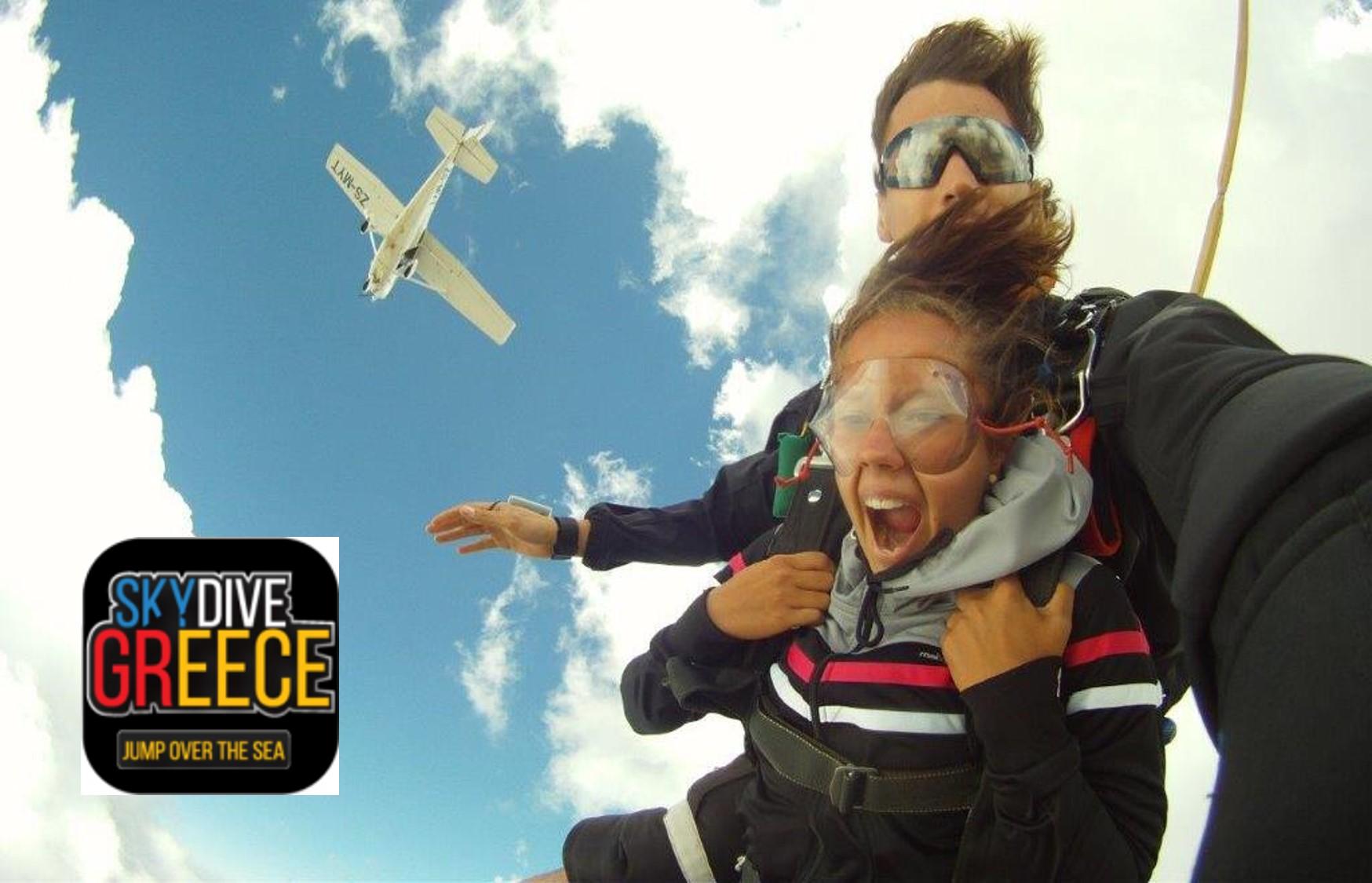 Από 135€ για Ελεύθερη Πτώση με τη μέθοδο Tandem, από 8.000 ή 12.000 πόδια, από το ''Skydive Greece'' στα Μέγαρα, 15 λεπτά από την Αθήνα! Ο γρηγορότερος και οικονομικότερος τρόπος να ΖΗΣΕΙΣ την ελεύθερη πτώση