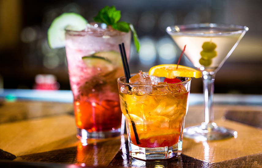 9€ από 18€ για 2 Cocktails της επιλογής σας, στο ''Bookabar'' στο Μαρούσι, το πασίγνωστο Bar - Restaurant των Βορείων Προαστίων