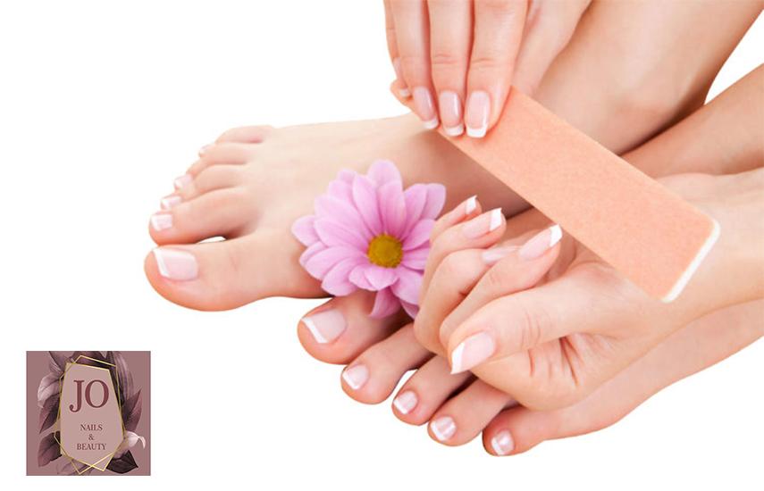 Aπό 8€ για Oλοκληρωμένο Manicure-Pedicure, Καθαρισμό Φρυδιών & Μουστάκι με κλωστή, στο